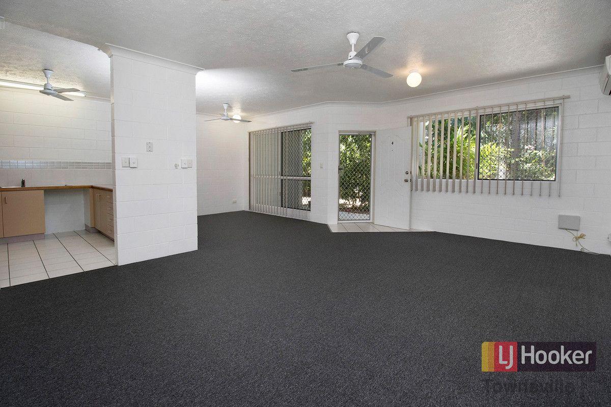 4/8 Watson Street, Rosslea QLD 4812, Image 1
