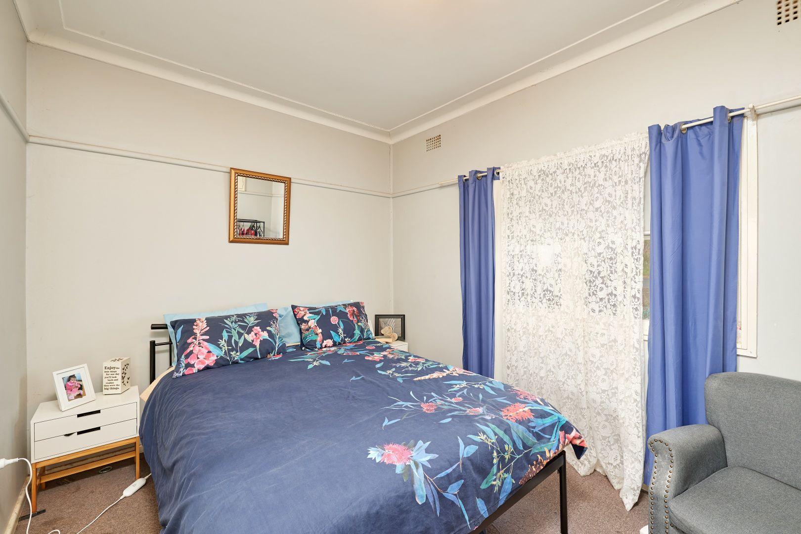 16-18 Robert Street, Junee NSW 2663, Image 2