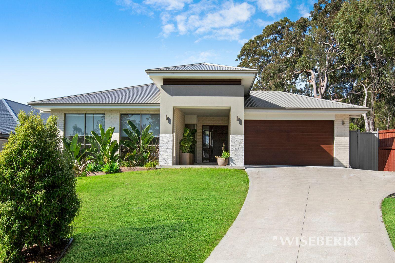 5 Muru Close, Blue Haven NSW 2262, Image 0