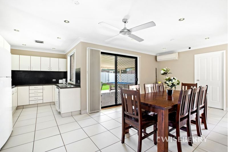 48 Loongana Crescent, Blue Haven NSW 2262, Image 2