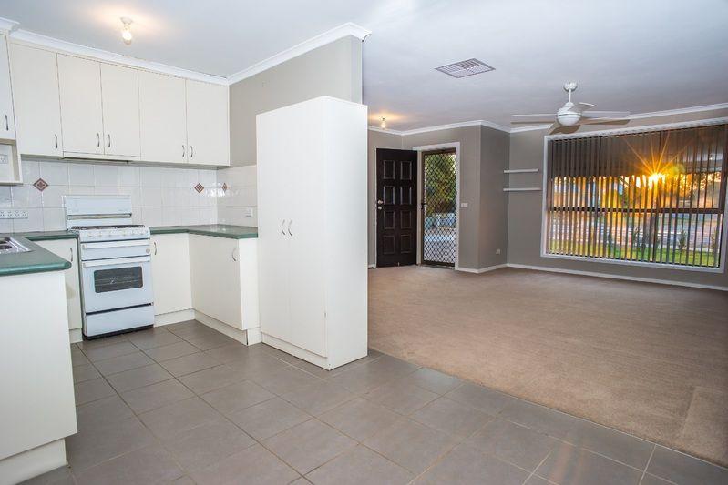 1/560 Hague Street, Lavington NSW 2641, Image 0