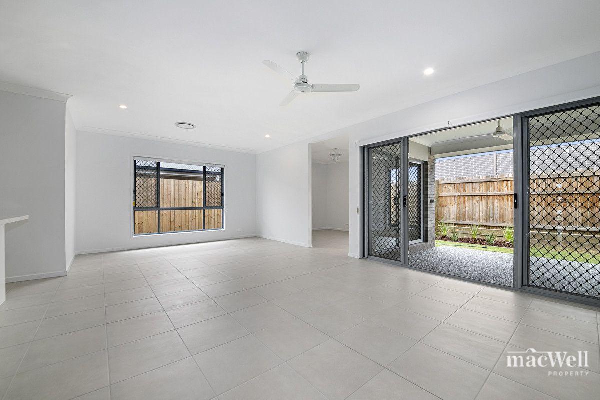 8 Maldon Street, Pallara QLD 4110, Image 2