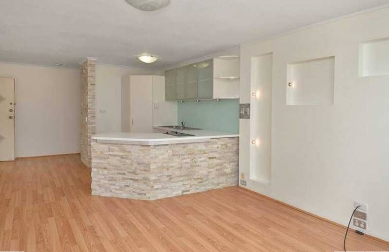 8 Darrambal Street, Chevron Island QLD 4217, Image 2