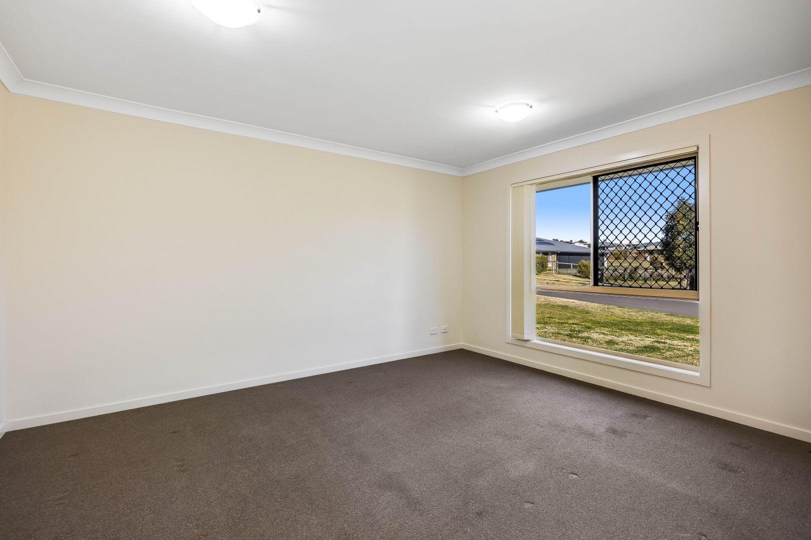 10 Monarch Street, Meringandan West QLD 4352, Image 2