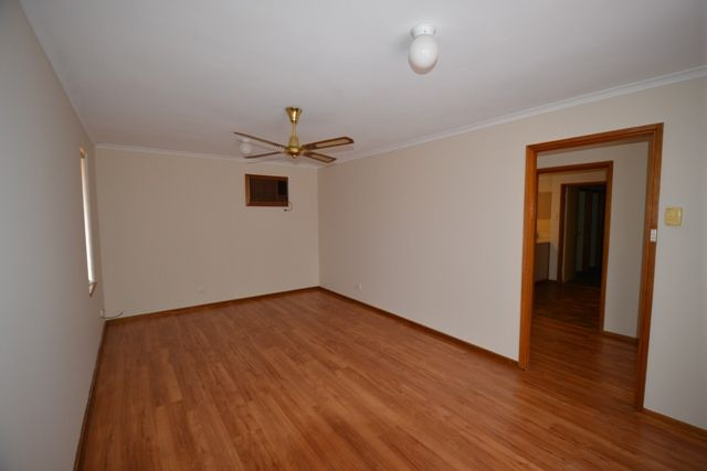 8 McIntosh Crescent, Port Augusta West SA 5700, Image 2