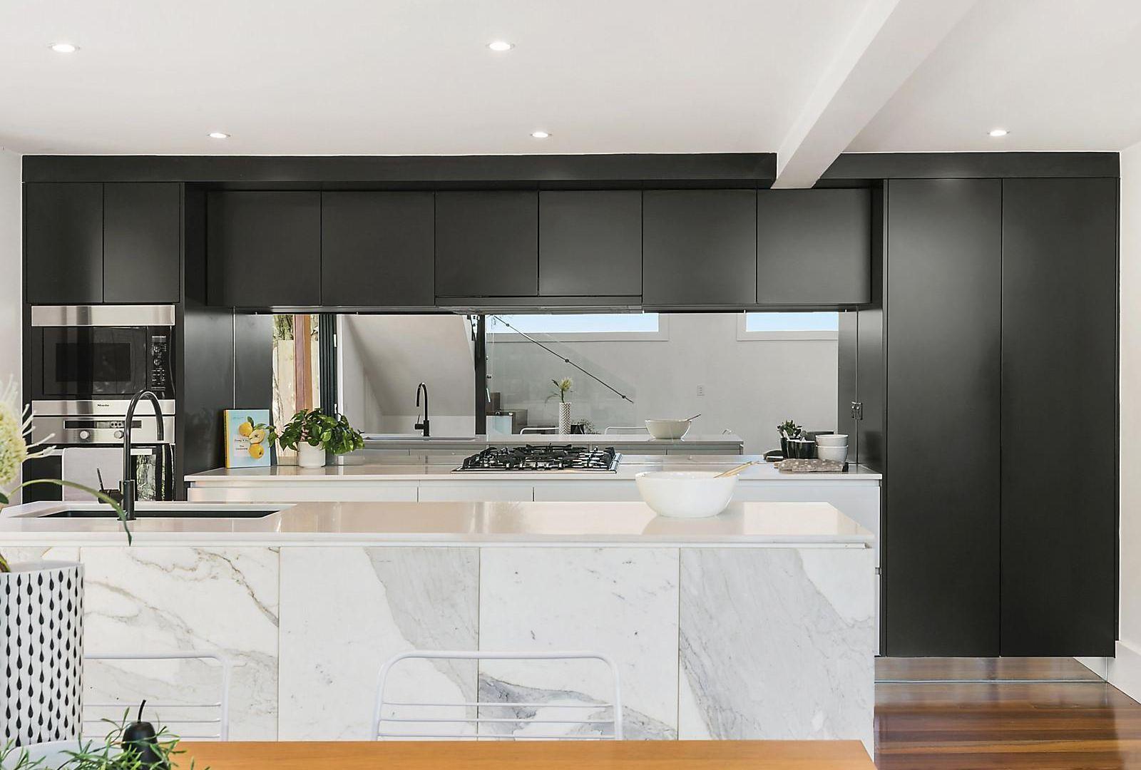 37 Waratah Street, Geelong West VIC 3218, Image 2