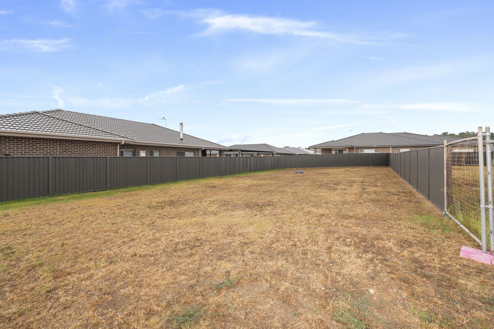 85 Easton Avenue, Spring Farm NSW 2570, Image 2