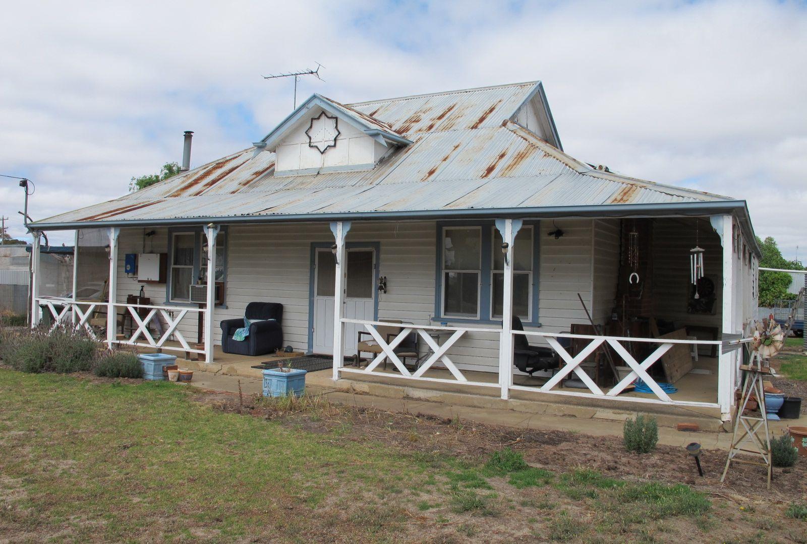 8 Station Street, Goroke VIC 3412, Image 2