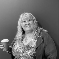 Lorraine Marshall, Sales representative
