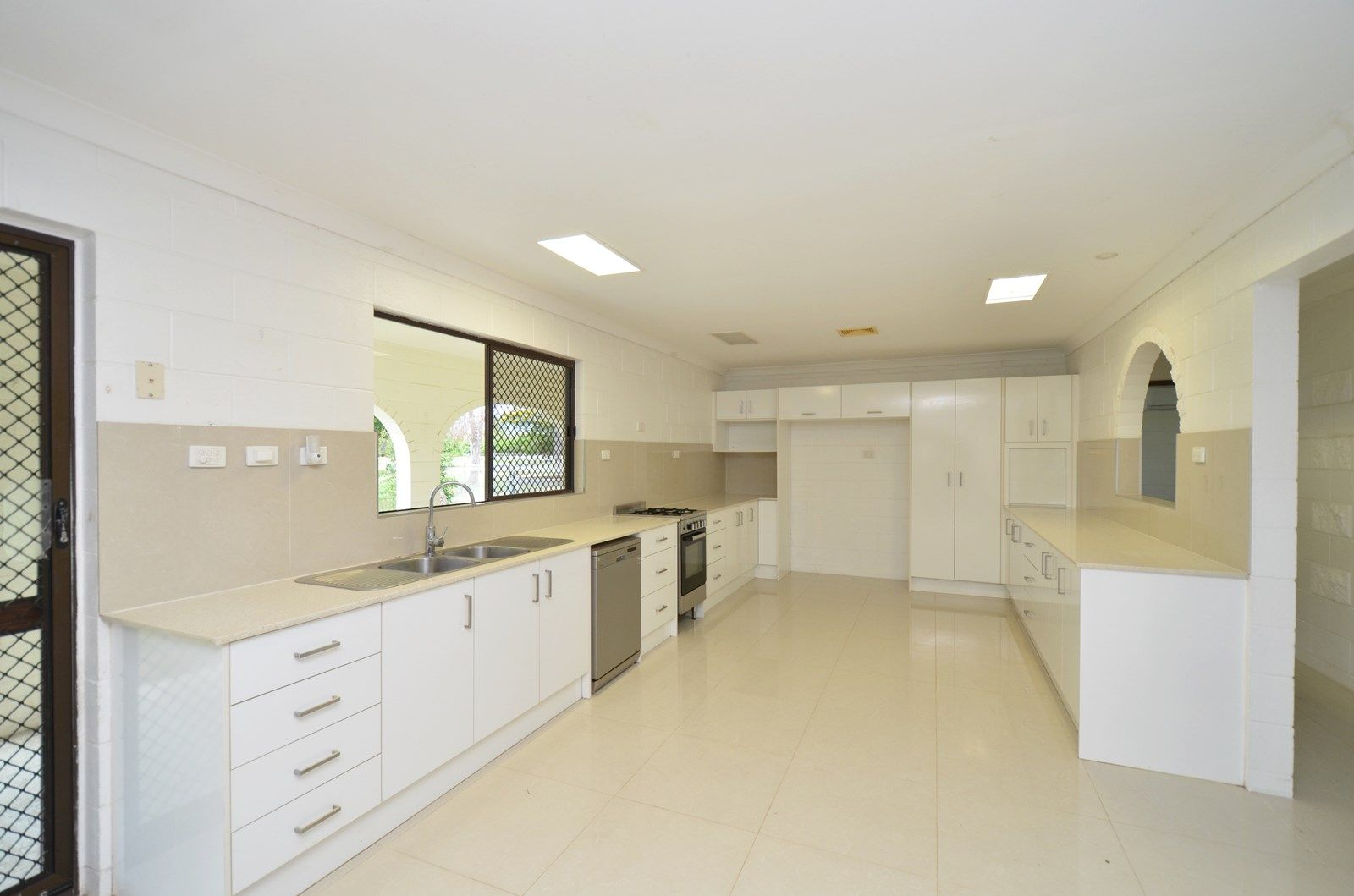 18 DUGGAN DRIVE, Alligator Creek QLD 4816, Image 1