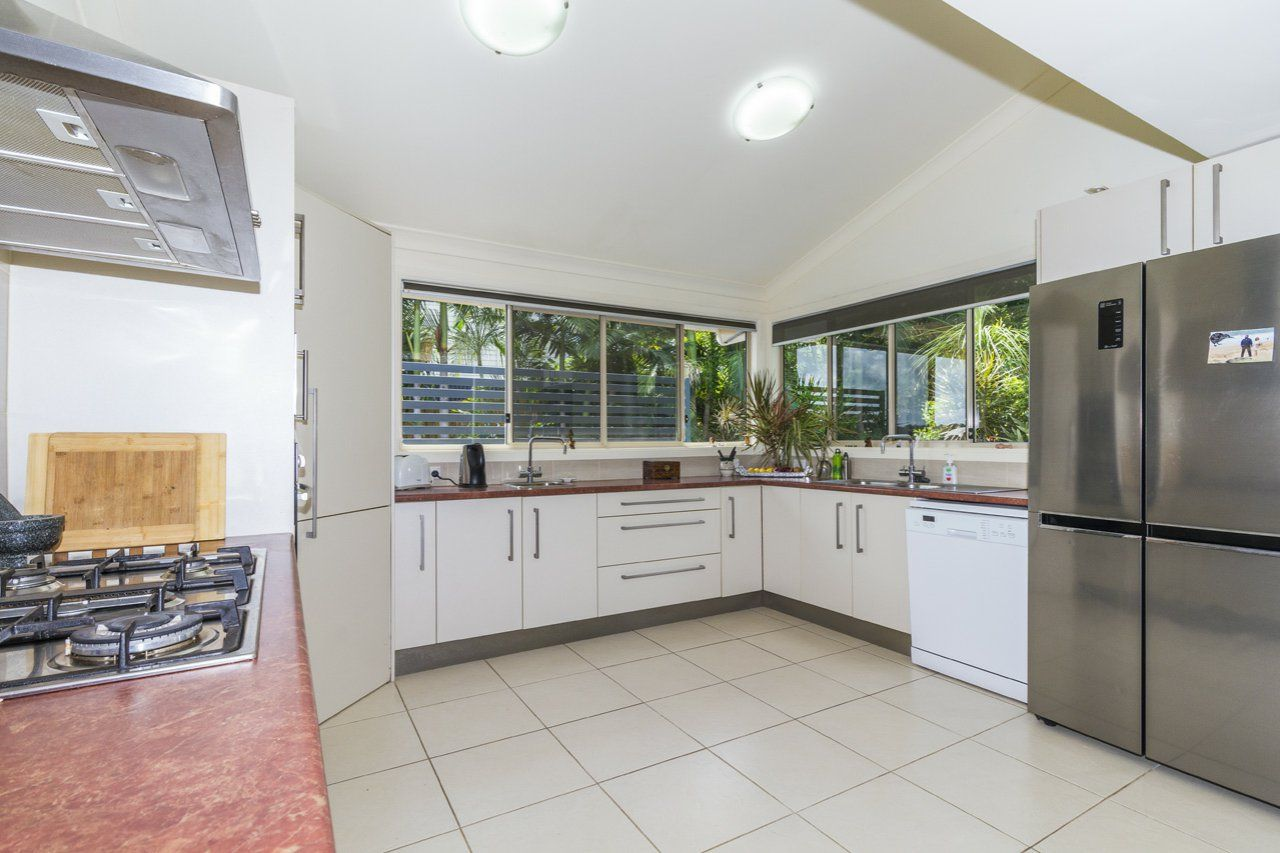 20 Calm Waters Crescent, Macleay Island QLD 4184, Image 1