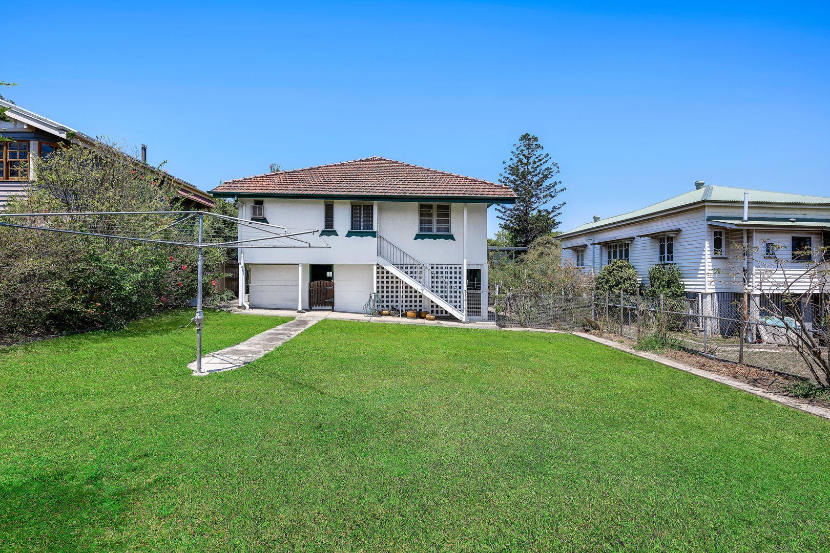 6 Tenth Avenue, Kedron QLD 4031, Image 2
