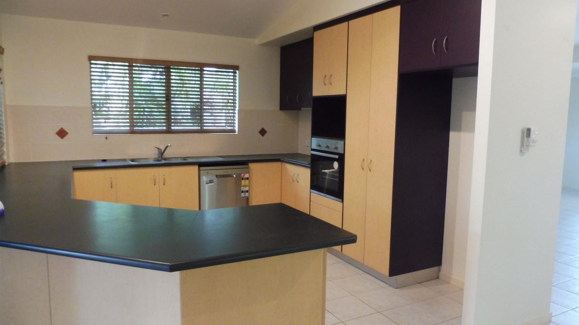 138 Waverley Street, Bucasia QLD 4750, Image 2