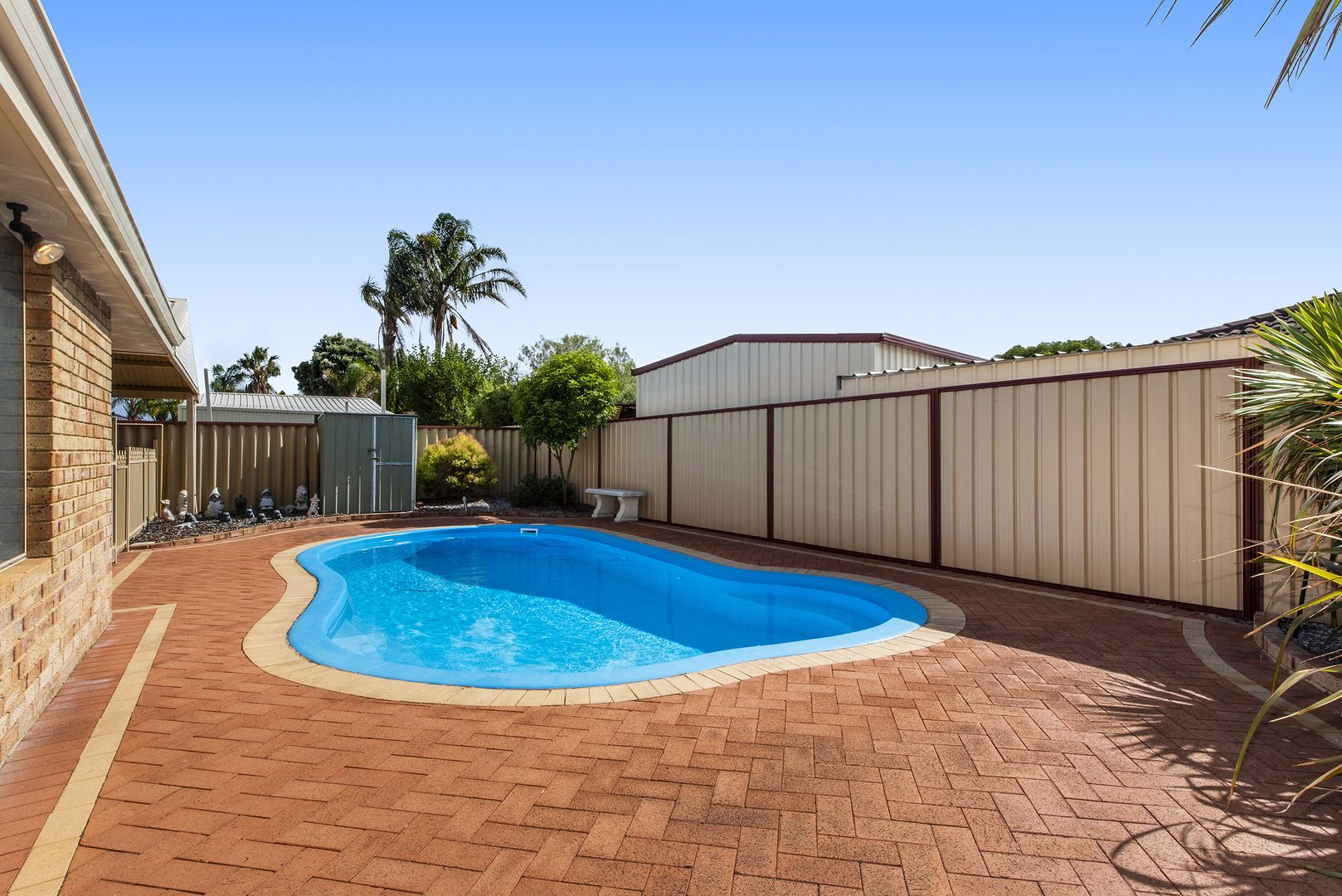 19 St Andrews Loop, Cooloongup WA 6168, Image 2