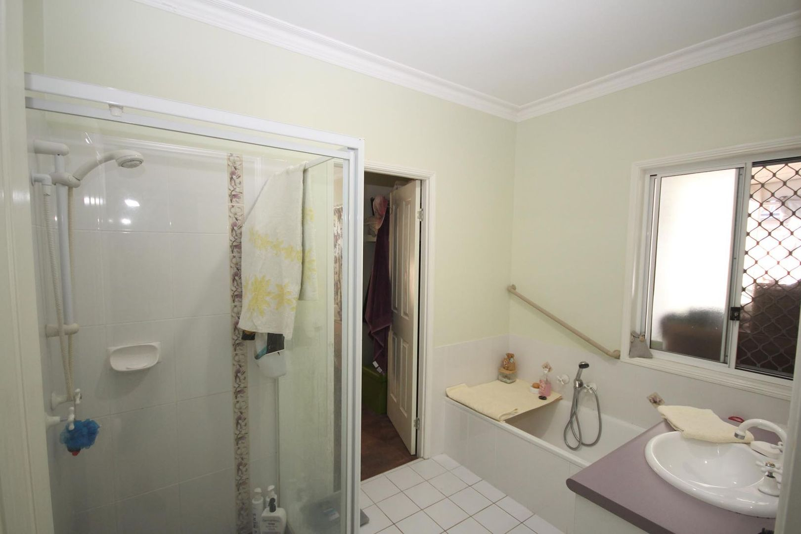 9 Eclipse Court, Springfield Lakes QLD 4300, Image 2