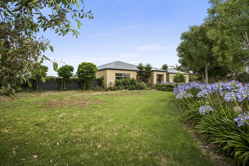 71 Albert Rd, Port Fairy VIC 3284, Image 2