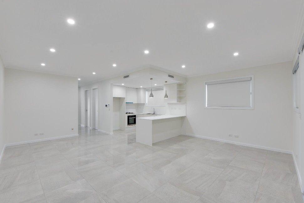 8A Hilltop Crescent, Campbelltown NSW 2560, Image 2