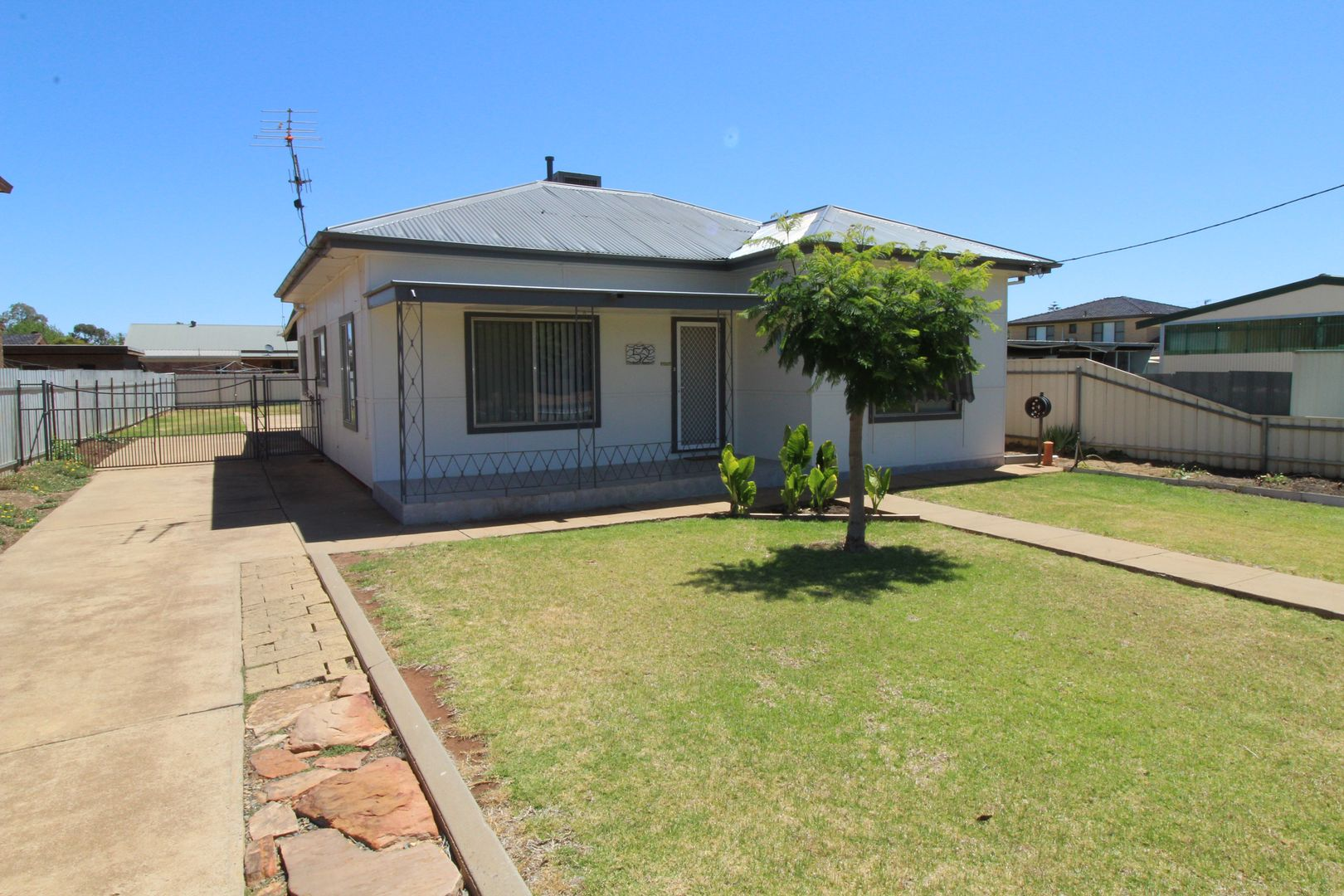 52 Erskine Road, Griffith NSW 2680, Image 1