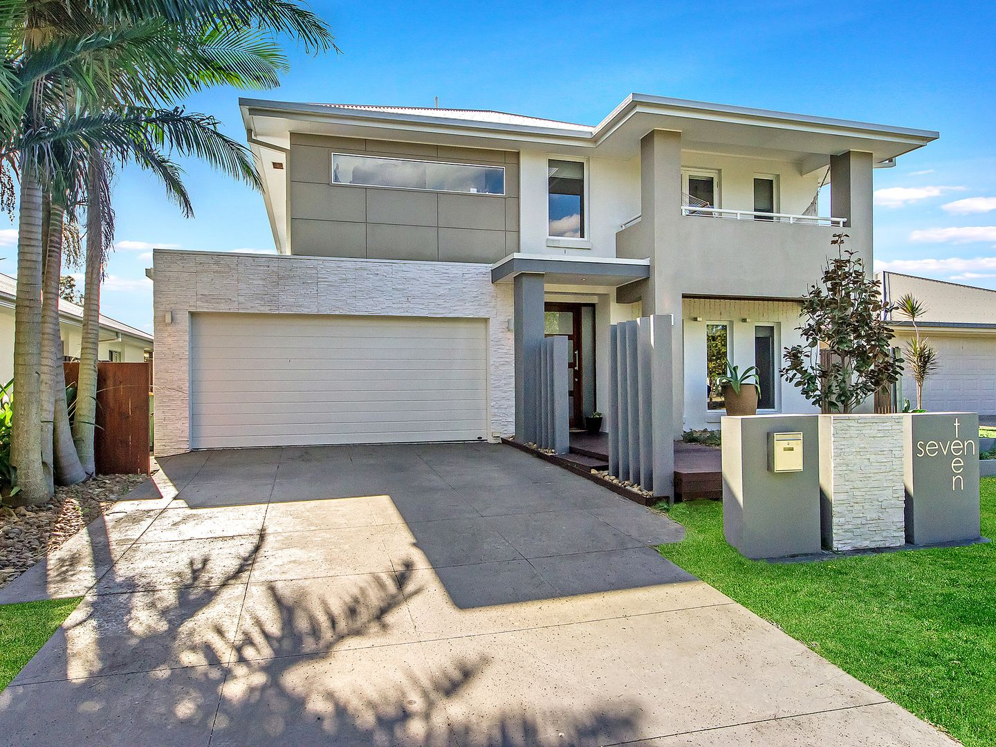 17 Drafters Crescent, Maudsland QLD 4210, Image 1