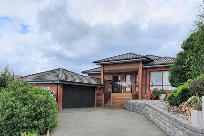 Picture of 48 Highland Drive, PAKENHAM VIC 3810
