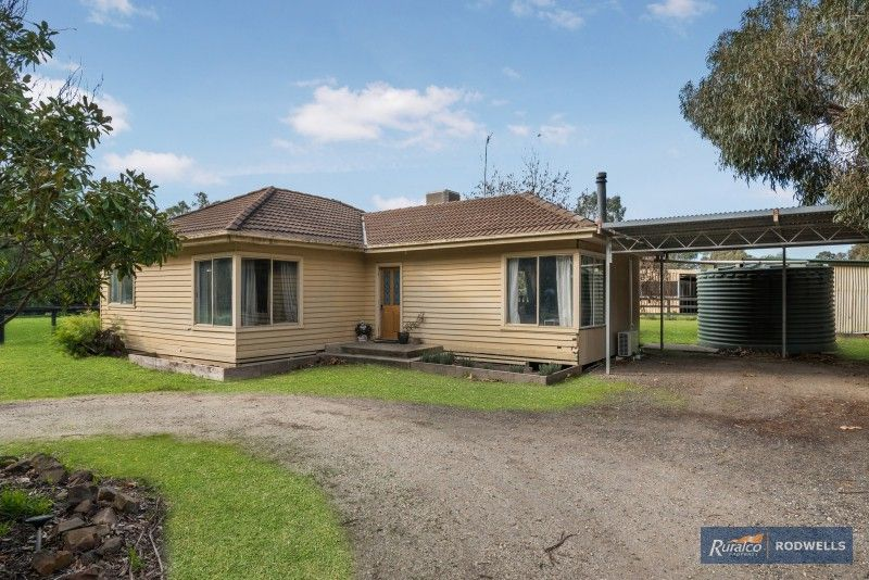 130 Hall Lane, Whiteheads Creek VIC 3660, Image 1
