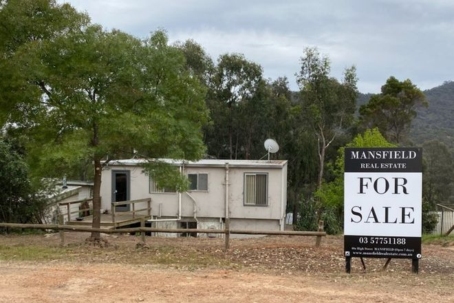 Picture of 14 Trout Stream Way, MACS COVE VIC 3723