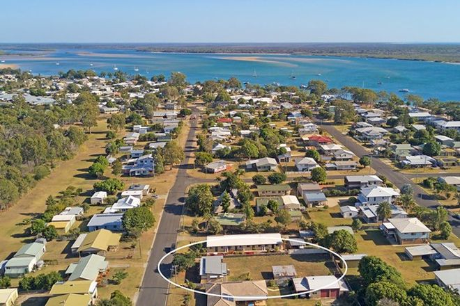 Picture of 74 Howard Street, BURRUM HEADS QLD 4659
