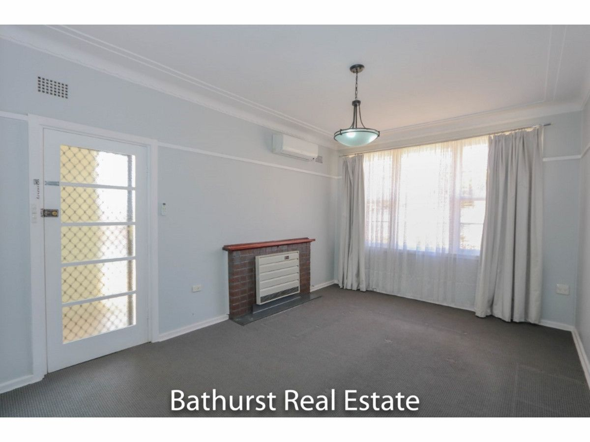 438 Howick Street, West Bathurst NSW 2795, Image 2