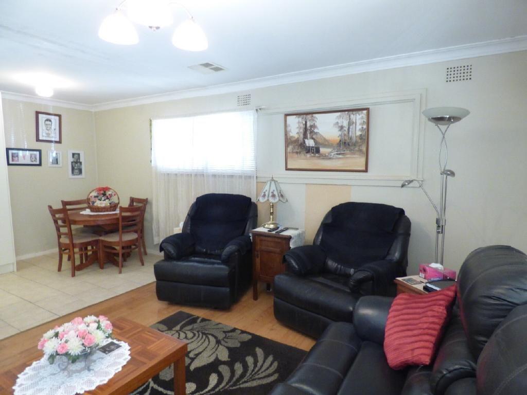 51 Centenary Avenue, Cootamundra NSW 2590, Image 2