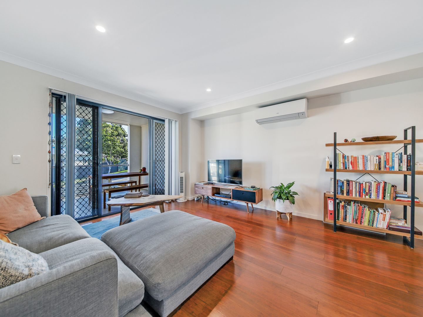3/8 Oasis Close, Manly West QLD 4179, Image 2