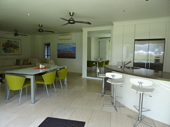 4/281 Esplanade, Cairns North QLD 4870, Image 2