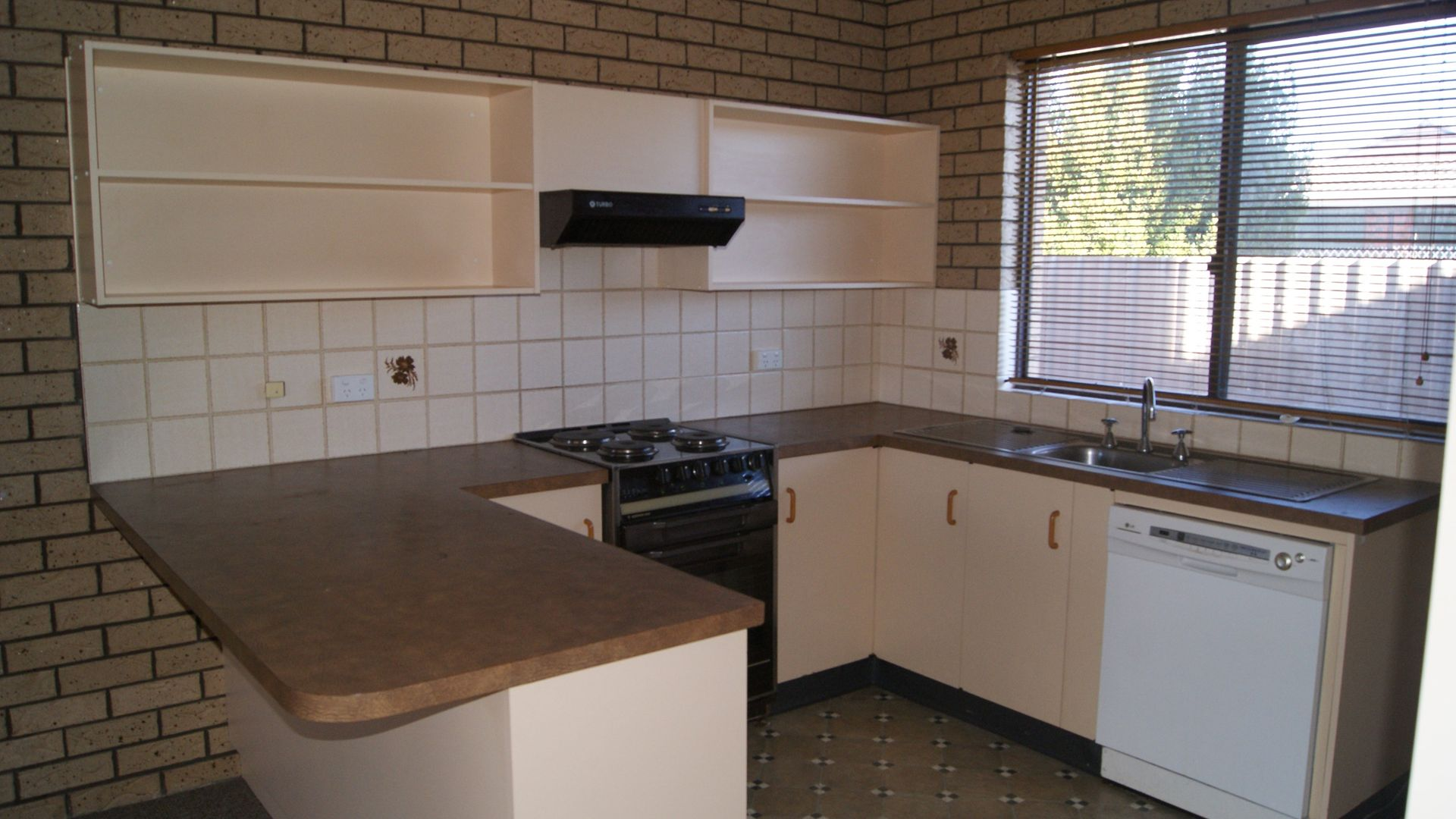 4/411 Bevan Street, Lavington NSW 2641, Image 1