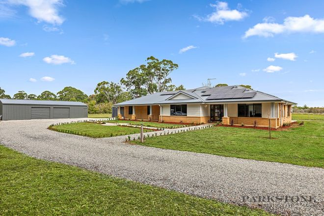 Picture of 10 Dysart Street, GLENLYON VIC 3461