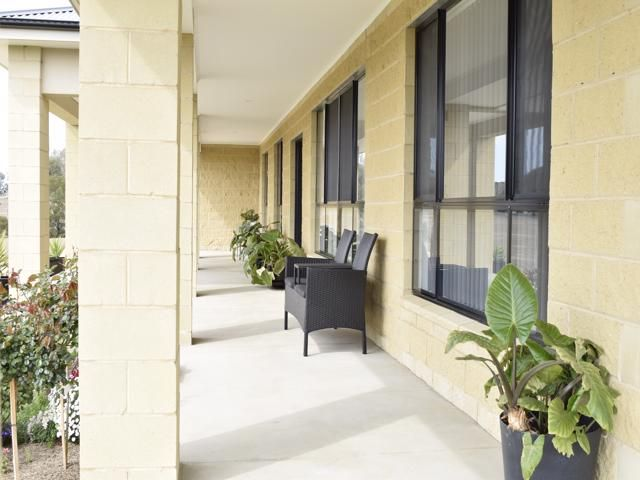 4967 HENRY LAWSON WAY, Grenfell NSW 2810, Image 2