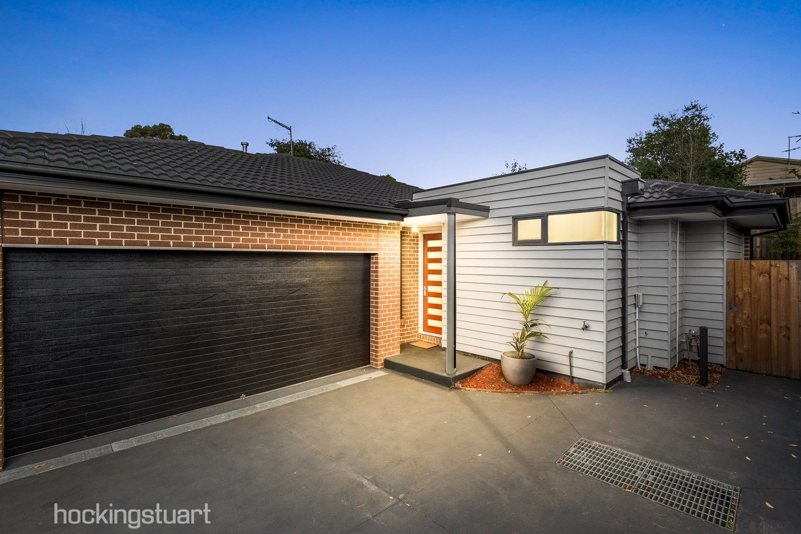 2/14 Pine Hill Drive, Frankston VIC 3199, Image 0