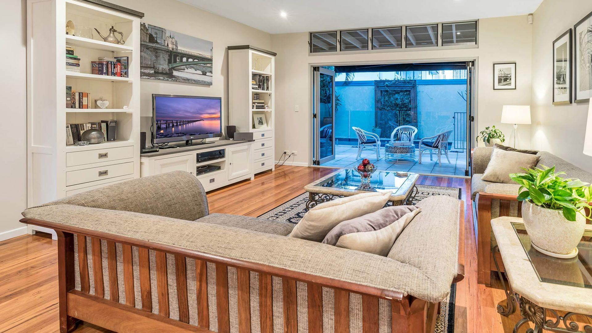 1/27 Norfolk Avenue, Surfers Paradise QLD 4217, Image 2