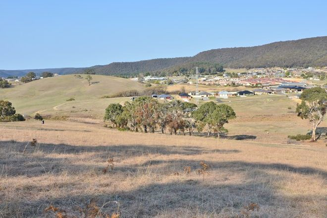 Picture of 2 Bowen  Chase, LITHGOW NSW 2790
