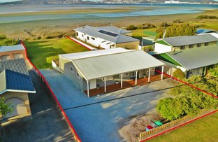 Picture of 105 Bay View Drive, Little Grove WA 6330