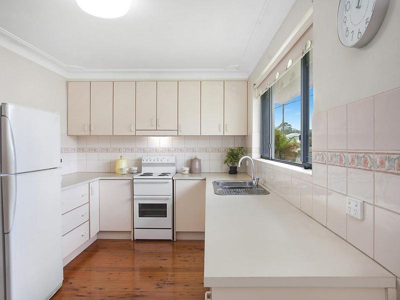 10 Captain Cook Crescent, Long Jetty NSW 2261, Image 2