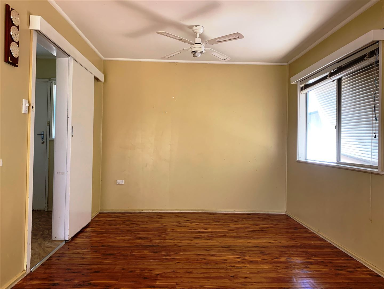 32 Becker Street, Cobar NSW 2835, Image 2