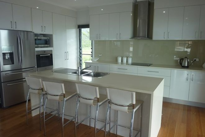 Picture of 38 Blackcurrent Drive, HIDEAWAY BAY QLD 4800