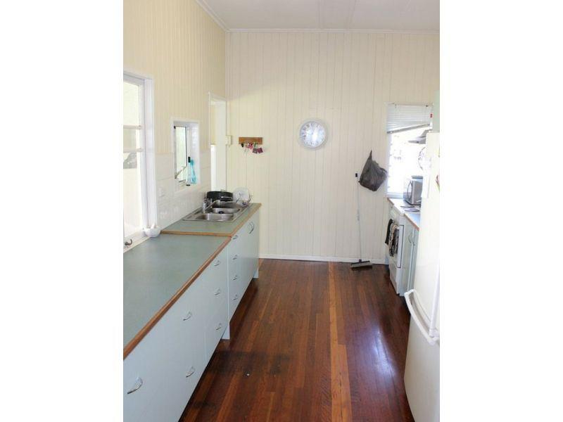 8 Cullen Avenue, Gayndah QLD 4625, Image 1