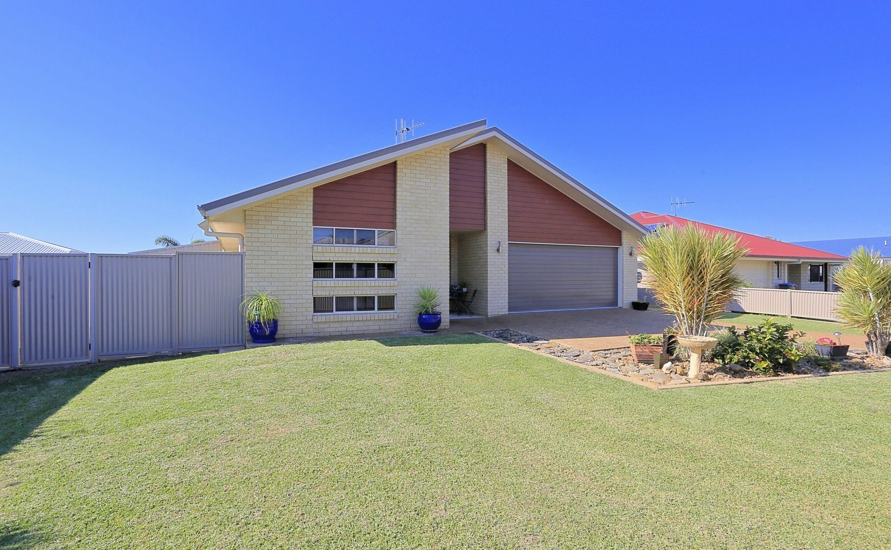 8 Mccallum Cl, Coral Cove QLD 4670, Image 1