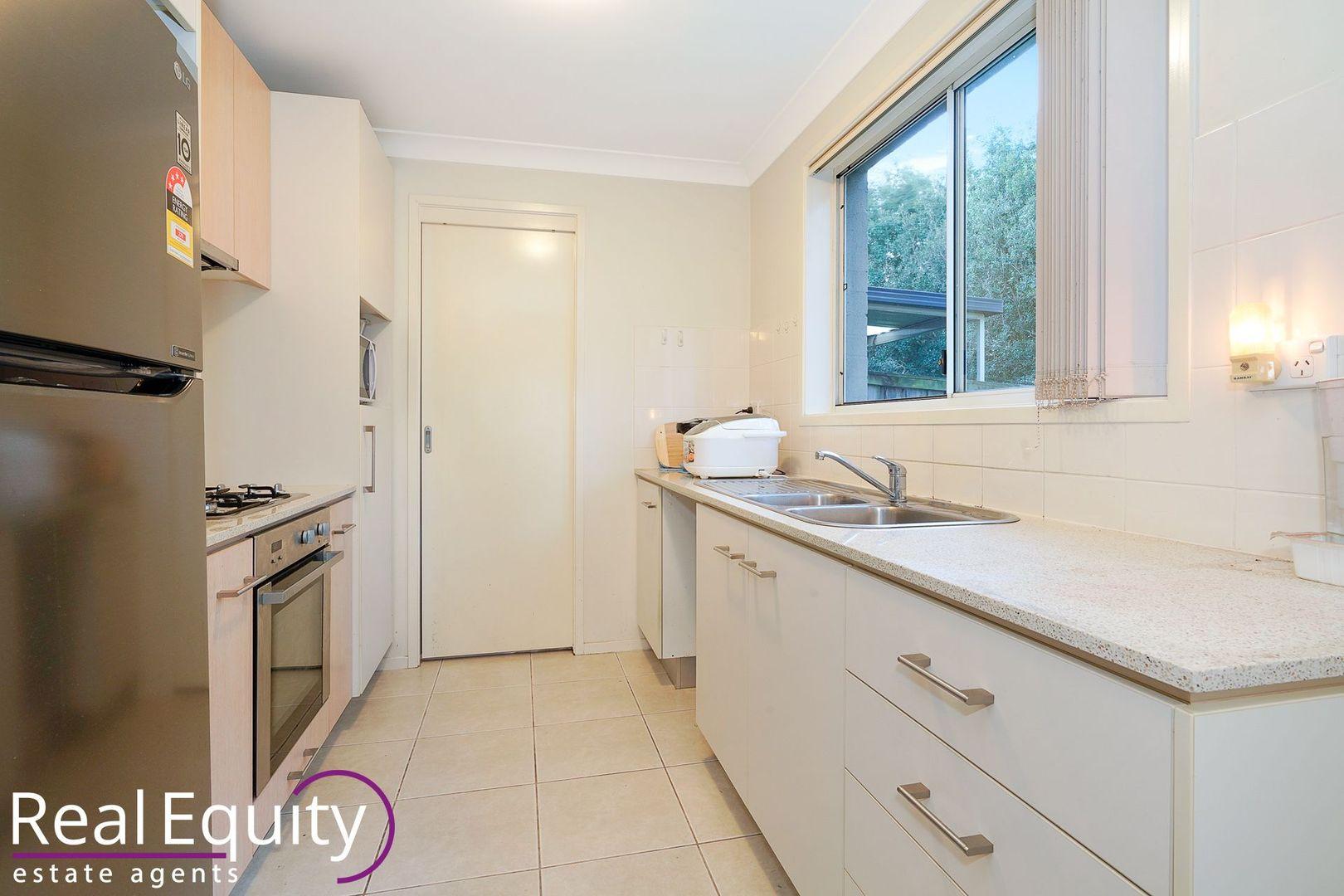 32 Margate Avenue, Holsworthy NSW 2173, Image 2