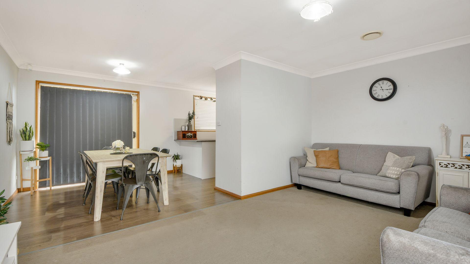 2/6 Michael Place, Ingleburn NSW 2565, Image 2