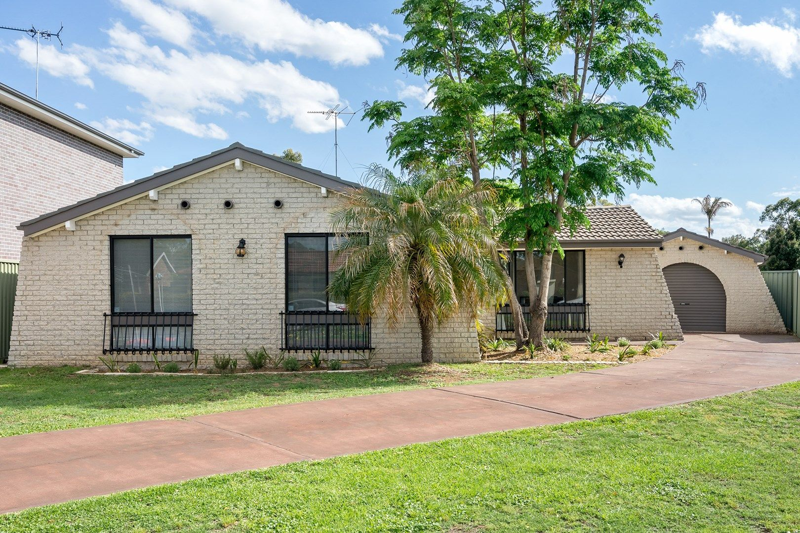 4 Davidson Close, St Clair NSW 2759, Image 0