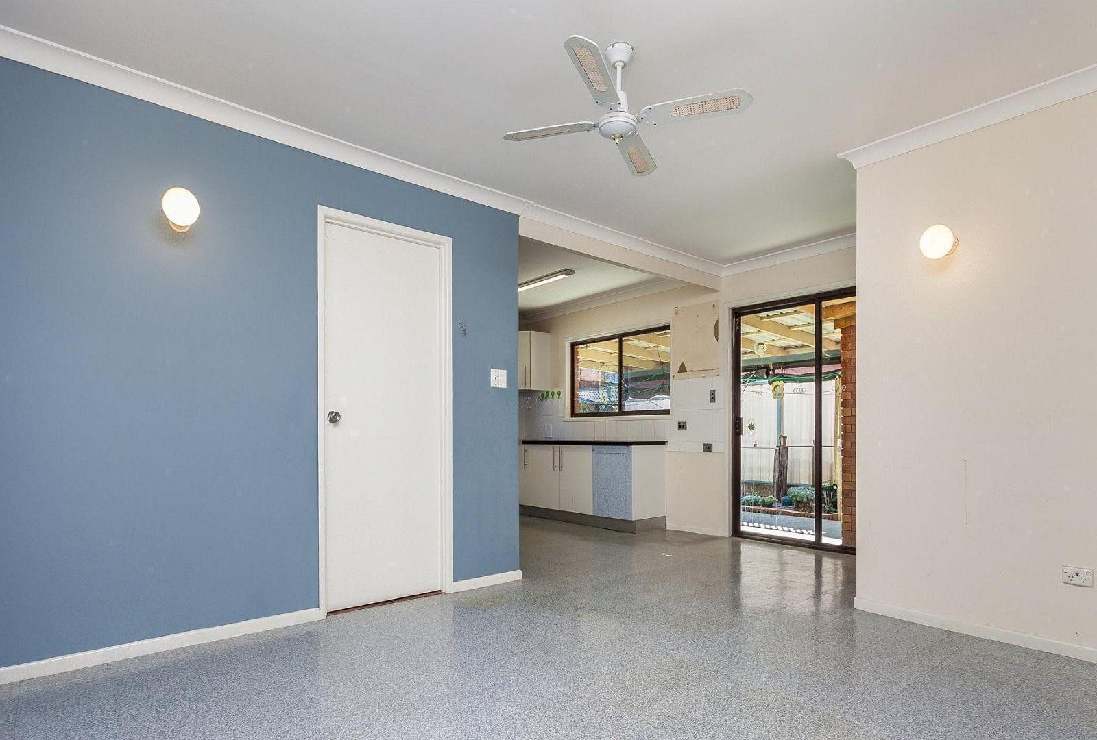 52 Coleman Crescent, Springwood QLD 4127, Image 2
