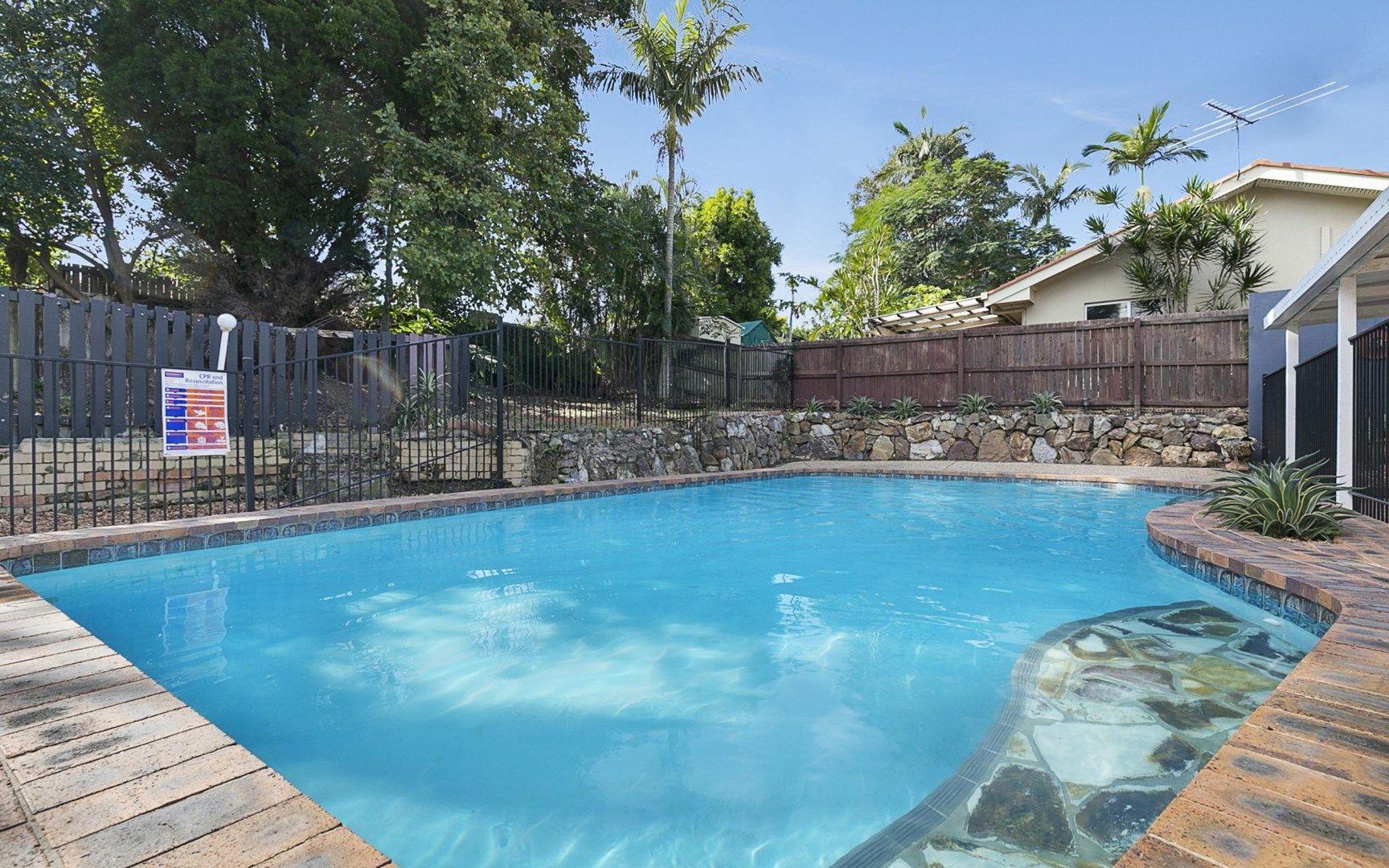 8 Majura Street, Belmont QLD 4153, Image 0