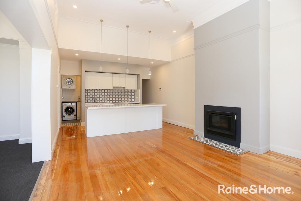 156 Russell St, Bathurst NSW 2795, Image 0