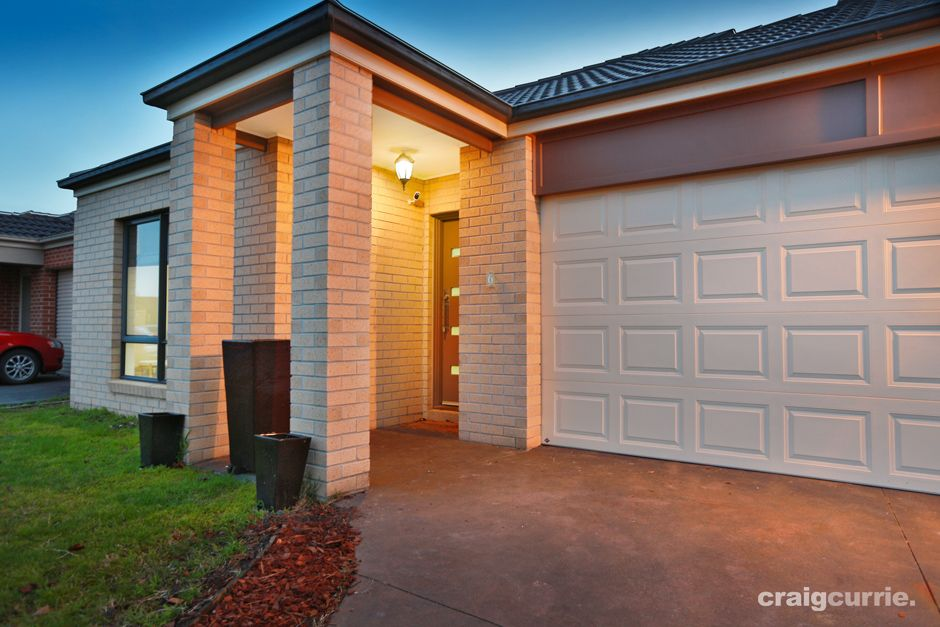 6 Sinclair Walk, Pakenham VIC 3810, Image 2